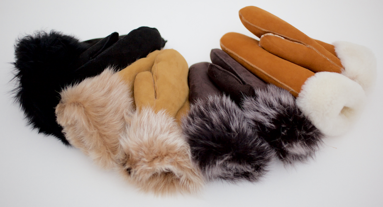 Various-colours-Toscana-and-Sheepskin-mittens